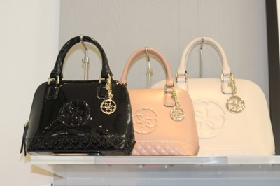 hot sale online 8bad1 efef3 bauletti-guess-inverno-2016 | Archistyle