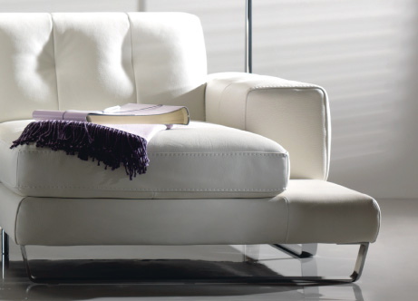 Divani divani by natuzzi outlet archistyle for Outlet divani lombardia