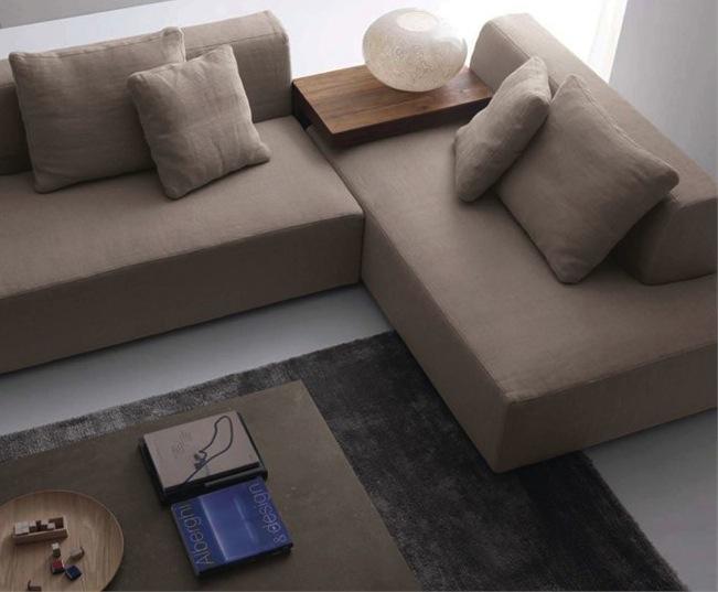 divano-angolare-tavolino