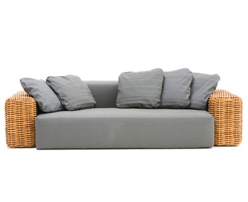 Divani in pelle o divani in tessuto archistyle for Divani per casa al mare