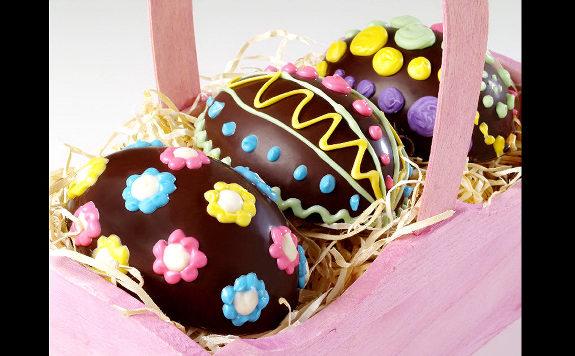 Decorazioni uova di pasqua di cioccolato archistyle - Uova di pasqua decorazioni ...
