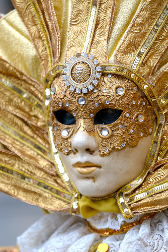1 maschera-oro-carnevale